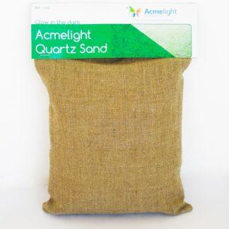 Svjetleci kvarcni pijesak. Gradevinski radovi. Dobro prijanja za druge materijale
